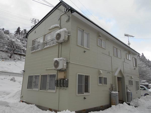 西津軽郡鰺ヶ沢町S様アパートA 外壁塗装、屋根塗装のサムネイル