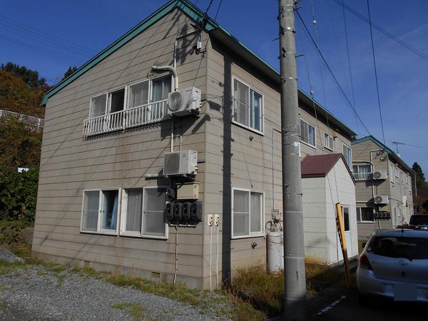 西津軽郡鰺ヶ沢町S様アパートB 外壁塗装、屋根塗装のサムネイル
